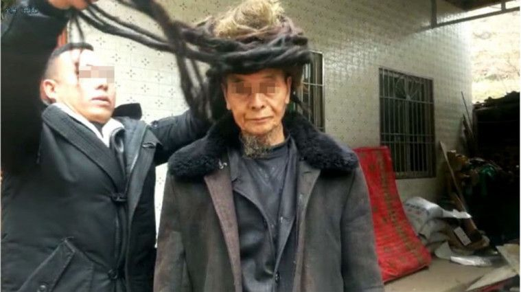 Pria Ini Viral Karena 54 Tahun Tidak Potong Rambut, Bagaimana Jadinya?