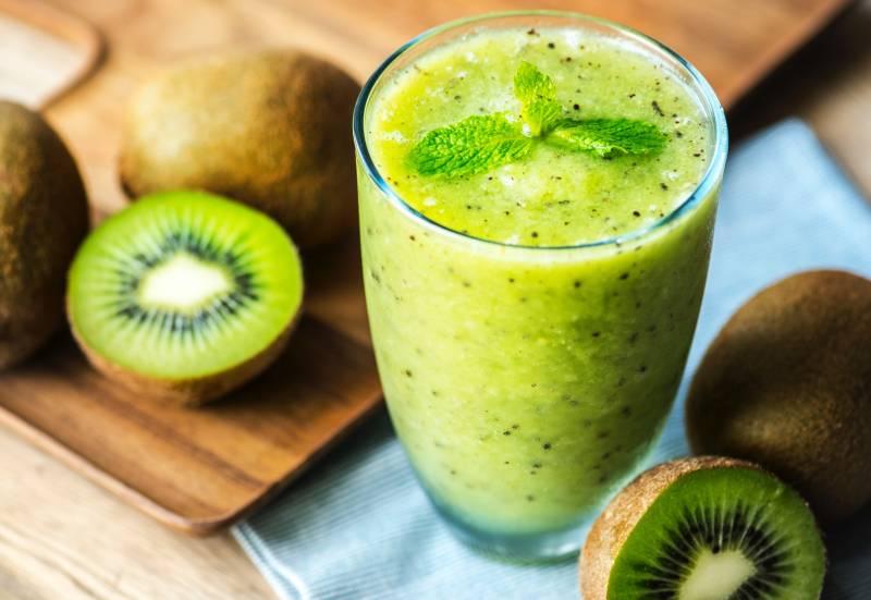 7 Resep Smoothies Buah Kiwi yang Menyehatkan. Yuk Bikin Sendiri di Rumah!
