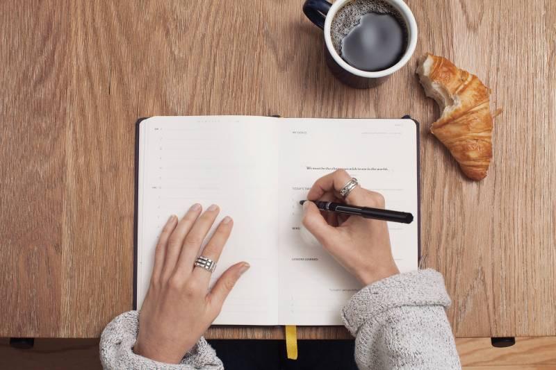 Cek Tulisan Tanganmu, Ketahui Kepribadian dan Karier yang Cocok di Masa Depan!