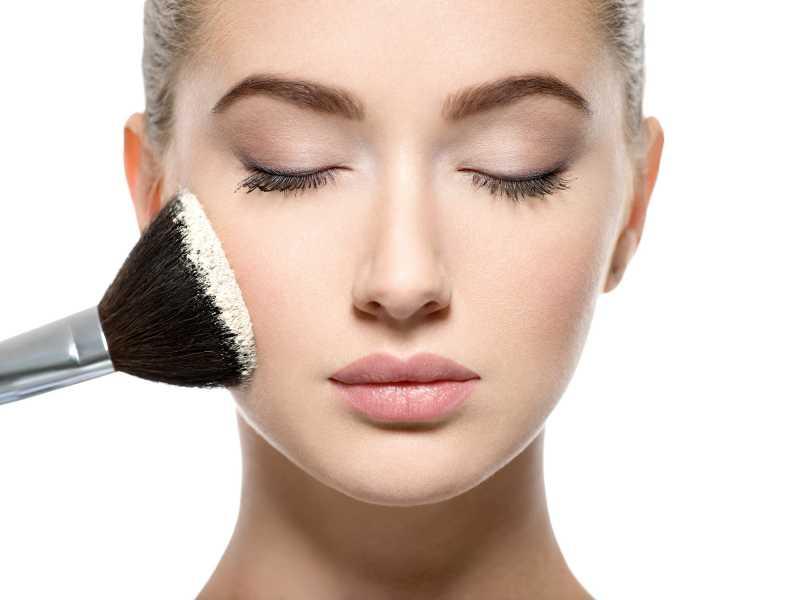 Trik Agar Makeup Lebih Tahan Lama dan Tidak Pecah - Pecah