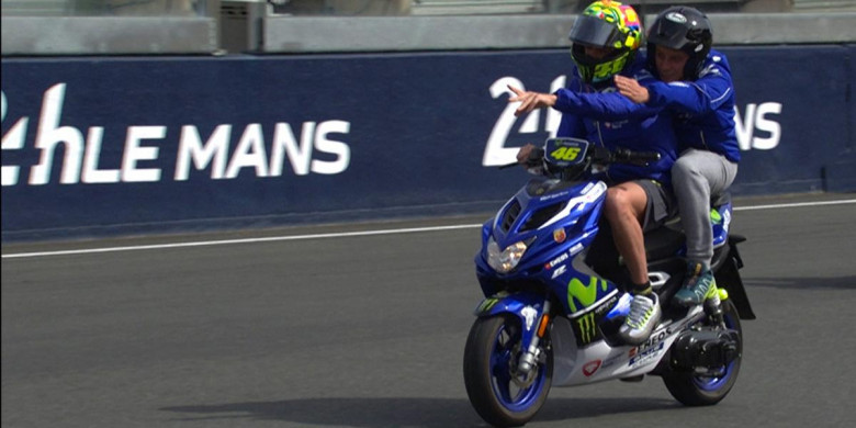 Balapan Diundur ke Hari Senin, Valentino Rossi Lancarkan Kritik