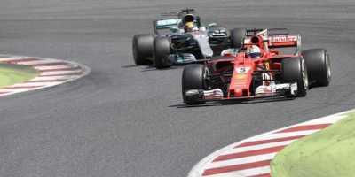 Sebenarnya Lebih Cepat Siapa, Ferrari atau Mercedes?