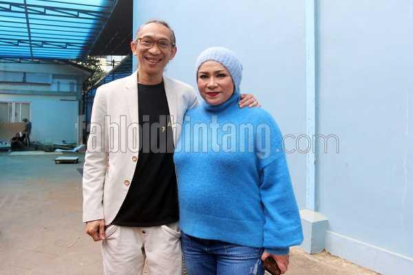 Romantika Melly Goeslaw 23 Tahun Bekerja bersama Suami