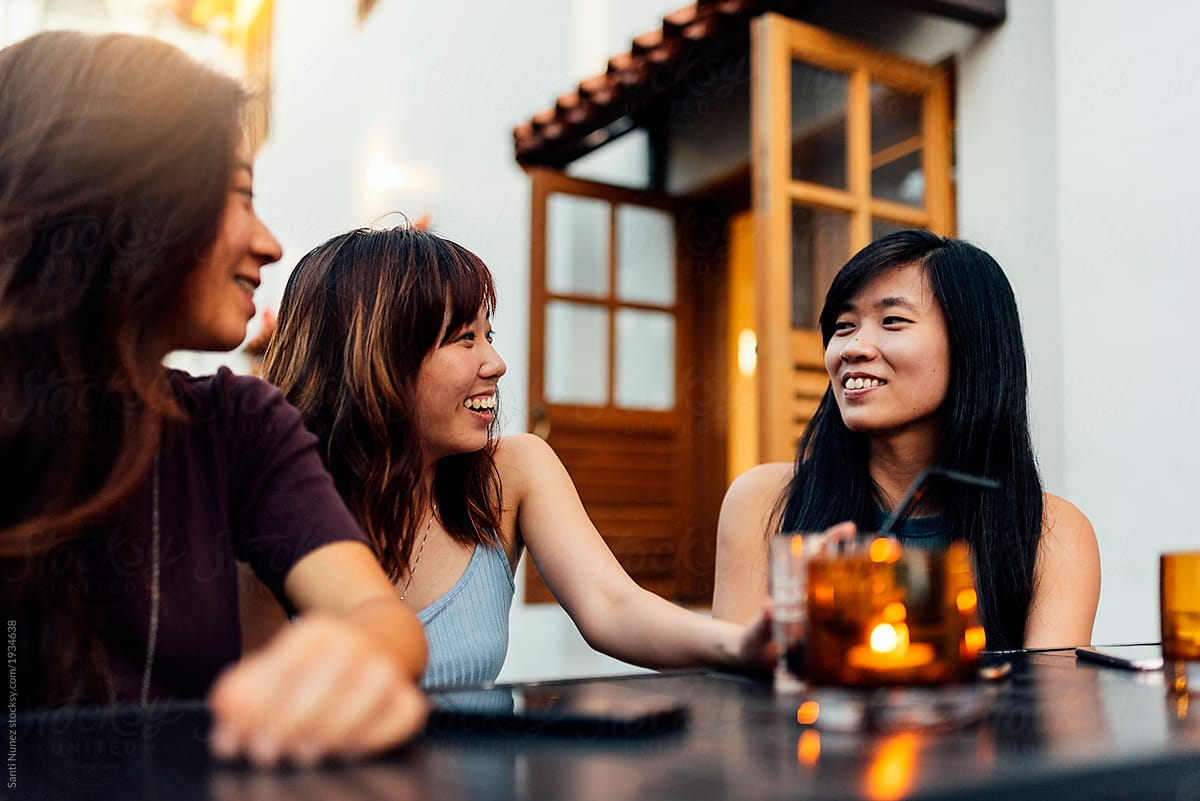 Tips Membagi Waktu antara Teman dan Pacar