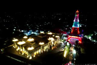Mirip Eiffel, Menara Pakaya Jadi Wisata Malam Gorontalo