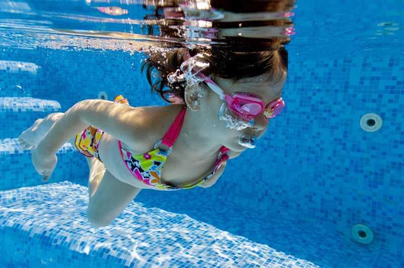 Hati-hati, Ini Bahayanya Jika Telinga Kemasukan Air Saat Berenang
