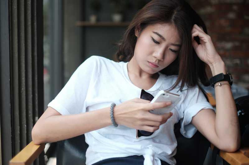 Jangan Dibiasakan, Sering Mengetes Pacar Ternyata Bisa Merusak Hubungan