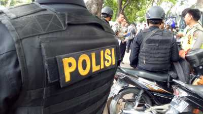 5 Aksi Polisi Ini Bikin Netizen Terkagum