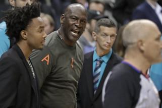 Michael Jordan katakan, menampar pemainnya sebagai tanda