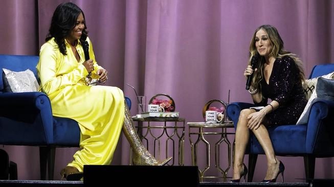 Boots Sepaha: Populer Karena BDSM, Mampir di Kaki Michelle Obama