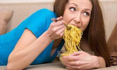Wah, Makan Mi Instan Bareng Nasi Bahayain Tubuh, Loh