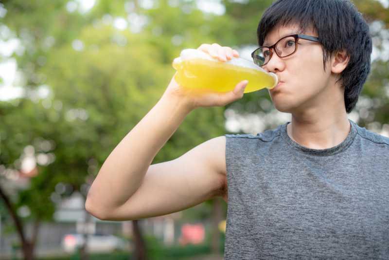 Jantung Berdebar Kencang Setelah Minum Minuman Berenergi, Normalkah?