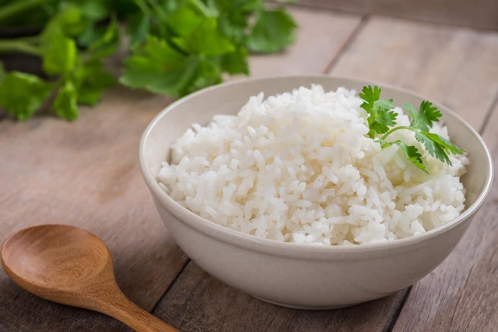Benarkah Nasi Putih Bisa Memicu Diabetes? Ini 4 Mitos Soal Nasi yang Perlu Diluruskan