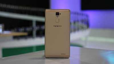 Tiga Merek Ponsel China Terus Bayangi Apple dan Samsung