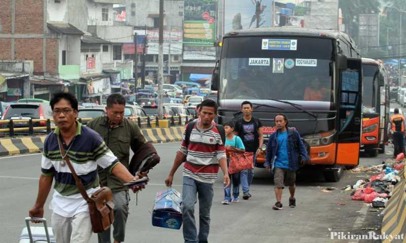 Jokowi Sapa Pemudik di Terminal Baranangsiang Bogor