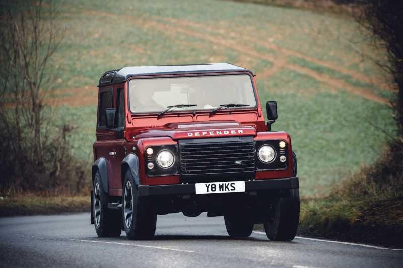 150 Unit Land Rover Defender Works V8 Ludes dalam Sebulan