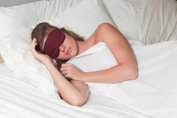 4 Manfaat Tidur Telanjang bagi Kesehatan Tubuh