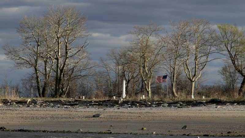 Tulang Mayat Berserakan di Pulau Kuburan Massal New York