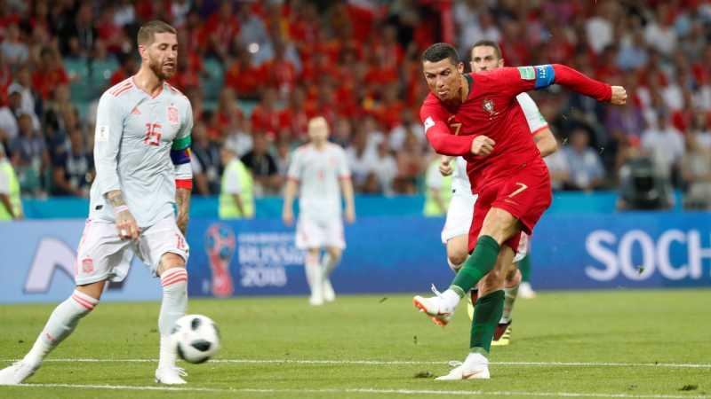 Ronaldo Hat-trick, Portugal Tahan Imbang Spanyol