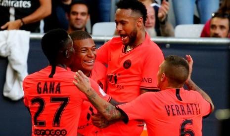 Duet Mbappe-Neymar Persembahkan Kemenangan untuk PSG