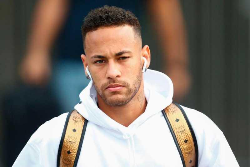 Kalah, Neymar Tetap Bergaya Mewah