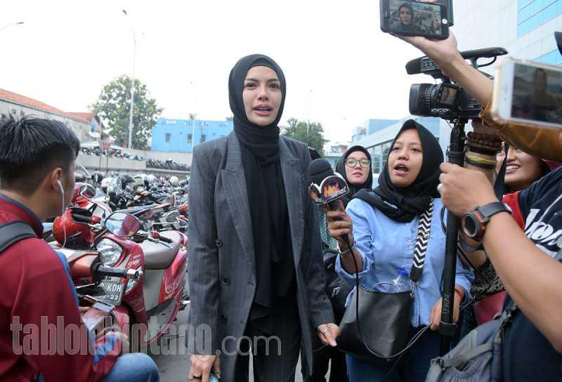 Tak Tahan Bersama Dipo Latief, Nikita Mirzani Akhirnya Minta Cerai