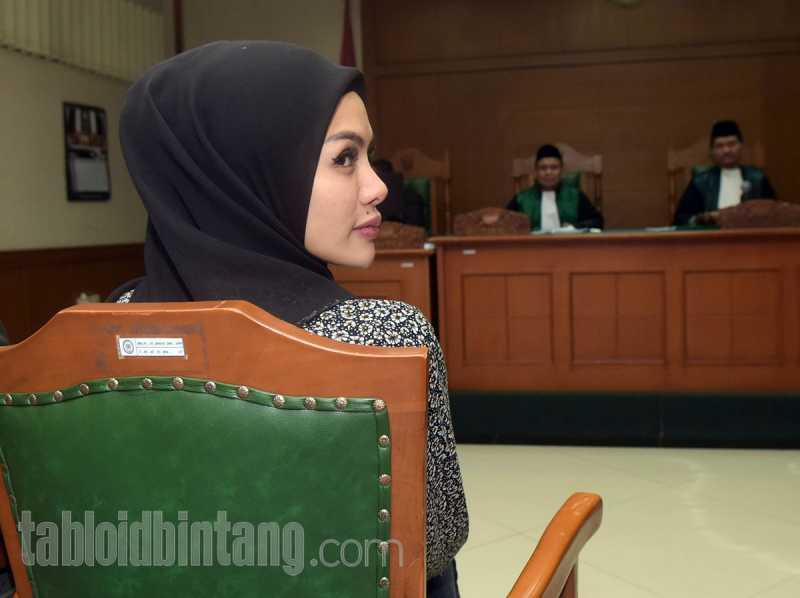 Sudah Ditalak, Nikita Mirzani Minta Cerai Secara Resmi