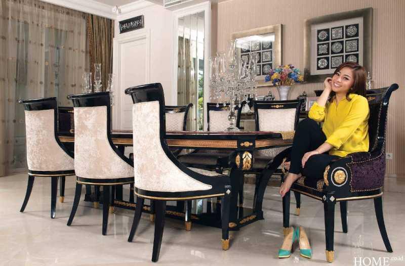 Rumah Mewah Nikita Willy yang Bergaya European American Classic