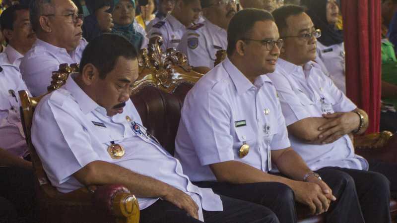 Ramai Foto Wali Kota Jakbar Diduga Tertidur Saat Duduk di Dekat Anies