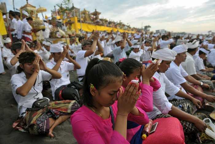 Kominfo Imbau Operator di Bali Matikan Internet Saat Nyepi