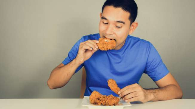 Makan Daging Ayam yang Ada Bercak Merah, Awas 4 Penyakit Ini Mengintai!