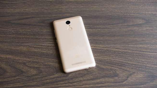 Gunakan Ponsel Xiaomi, Bocah Ini Bisa Curangi Rental PS