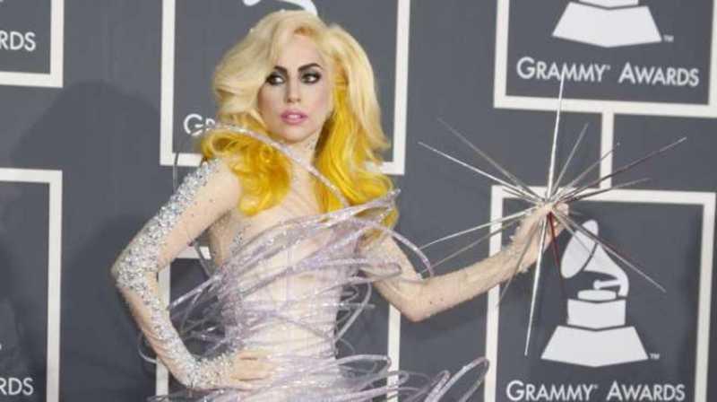 Aksi Gila Lady Gaga di Super Bowl Terinspirasi SpongeBob?