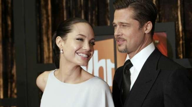 Kasihan, Brad Pitt Rayakan Hari Ayah Sedunia Tanpa Anak-anak