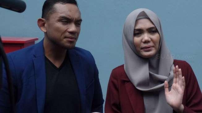 Rina Nose Buka Hijab karena Gagal Menikahi Fakhrul Razi?