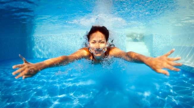 Berenang Bisa Turunkan Berat Badan, Ini Prosesnya