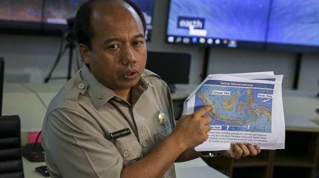 Pinggiran Sungai Jakarta Siap-siap Tergenang Malam Ini