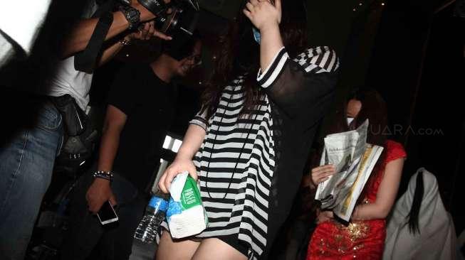 Mantan Pelayan Kantin Ini Ngaku Jadi Korban Pelecehan Seksual 30 Wakil Rakyat