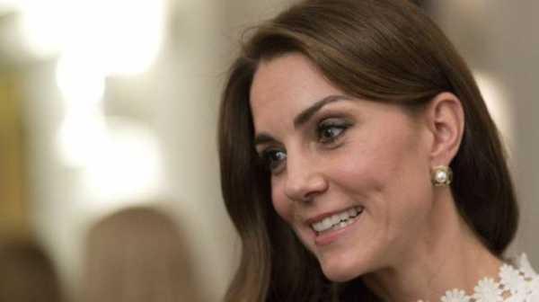 Tanpa Pengawalan, Kate Middleton dan Pangeran Louis Main di Luar Istana