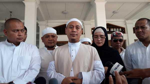 Ustadz Arifin Ilham Meninggal Dunia, Opick: Ini Pukulan Berat