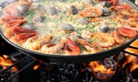 Tips Makan-Makan Saat Liburan di Luar Negeri