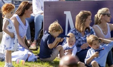Lokasi Liburan Favorit Keluarga Kerajaan Inggris
