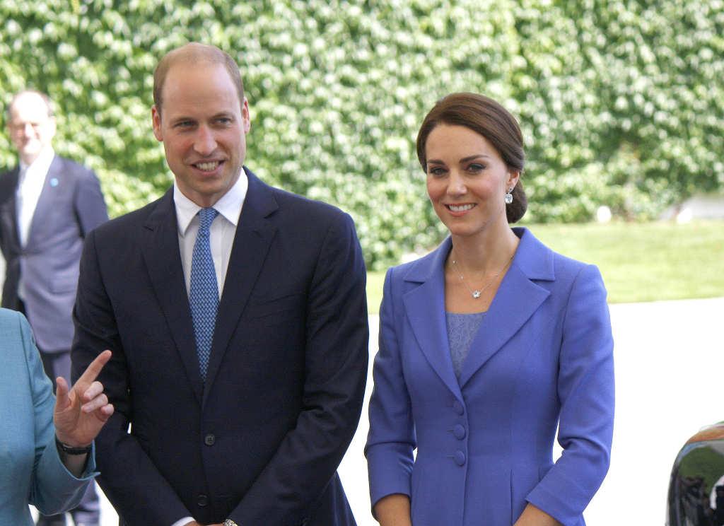 Wanita 83 Tahun Tertabrak Konvoi yang Mengawal Pangeran William dan Kate Middleton