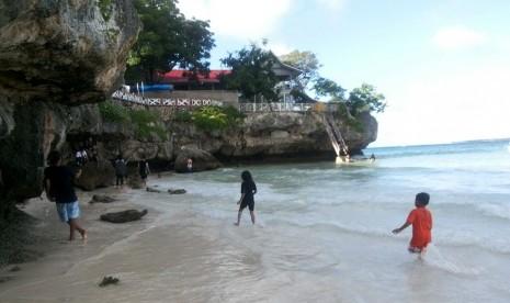 Yuk, Berlari Sambil Nikmati Keindahan Pantai Tanjung Bira