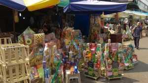 Kisah Pedagang Parsel Lebaran: Penjualan Sepi Usai Kerusuhan 22 Mei