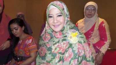 Peggy Melati Sukma Peluk Semua TKW Bermasalah di Qatar