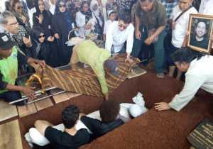 Kata Ahmad Albar, Faldy Albar Meninggal karena Maag Akut dan Liver
