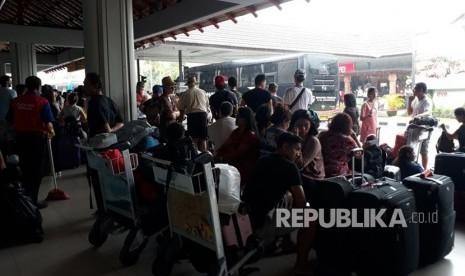 Bandara Ngurah Rai Perpanjang Penutupan