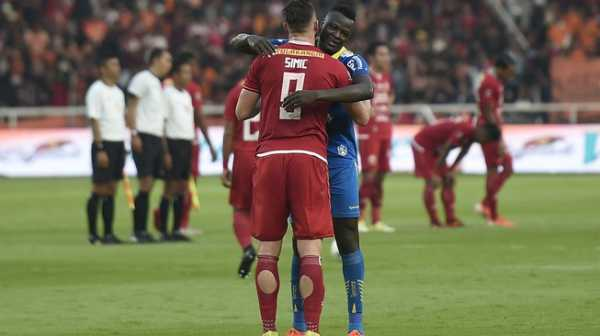 Jakmania Melindungi Bobotoh adalah Kabar Baik Sepakbola Indonesia