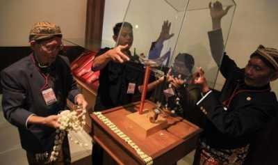 Keris Jokowi yang Dinanti-nantikan
